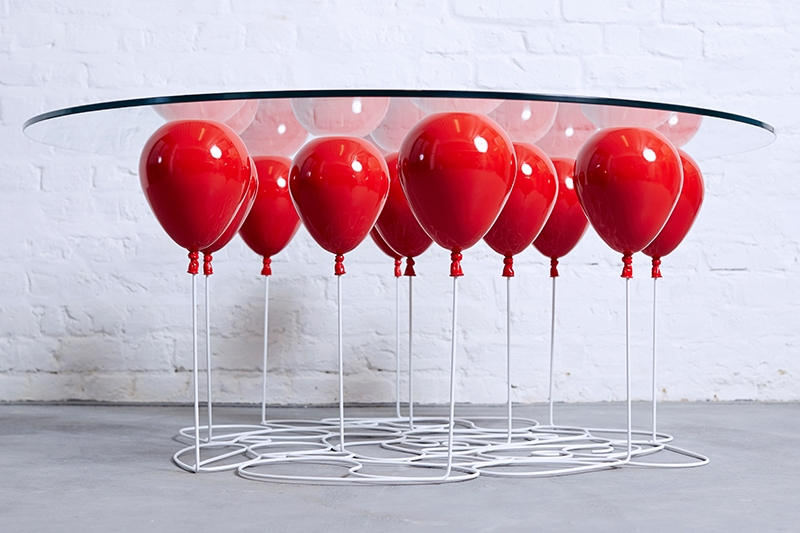 This up balloon table uses air filled sacs for support for Balloon decoration courses in london